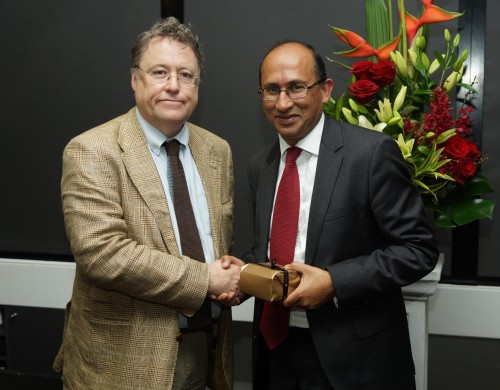 https://webresources.mq.edu.au/newsroom/wp-content/uploads/2013/10/rsz_bruce_allen2013-image_of_peter_varghese_and_john_simons_image_by_iain_brew_copy-copy.jpg