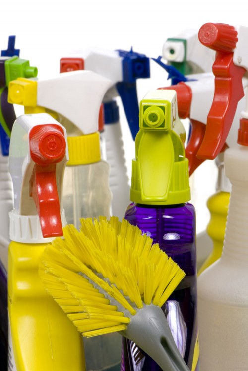 https://webresources.mq.edu.au/newsroom/wp-content/uploads/2013/11/cleaning-products.jpg