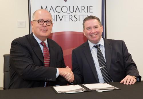 https://webresources.mq.edu.au/newsroom/wp-content/uploads/2014/12/2014-12-04-ChrisStacey-12.jpg