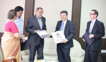 Professor Jim Lee and Professor Iain Collings with the Vice Chancellor of BITS Pilani - Professor Bijendra Nath Jain during the MOU signing ceremony in Hyderabad this January.