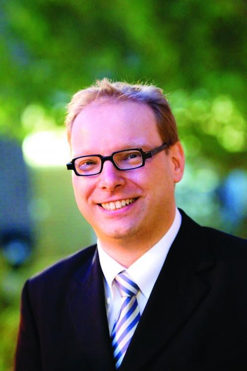 https://webresources.mq.edu.au/newsroom/wp-content/uploads/2015/03/Dr-Chris-Baumann-official-photo.jpg