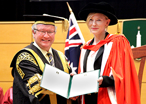 https://webresources.mq.edu.au/newsroom/wp-content/uploads/2015/10/cate_blanchett_2014_graduation_ceremony.jpg