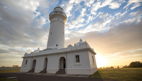 https://webresources.mq.edu.au/newsroom/wp-content/uploads/2019/12/Lighthouse_700x400.png