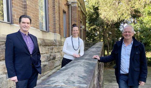https://webresources.mq.edu.au/newsroom/wp-content/uploads/2020/07/L-R-Mayor-Mark-Bennett-Dr-Penny-Van-Bergen-and-John-Perkins.jpg