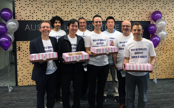 15-aihi-iwd-2017-cupcake-delivery-team
