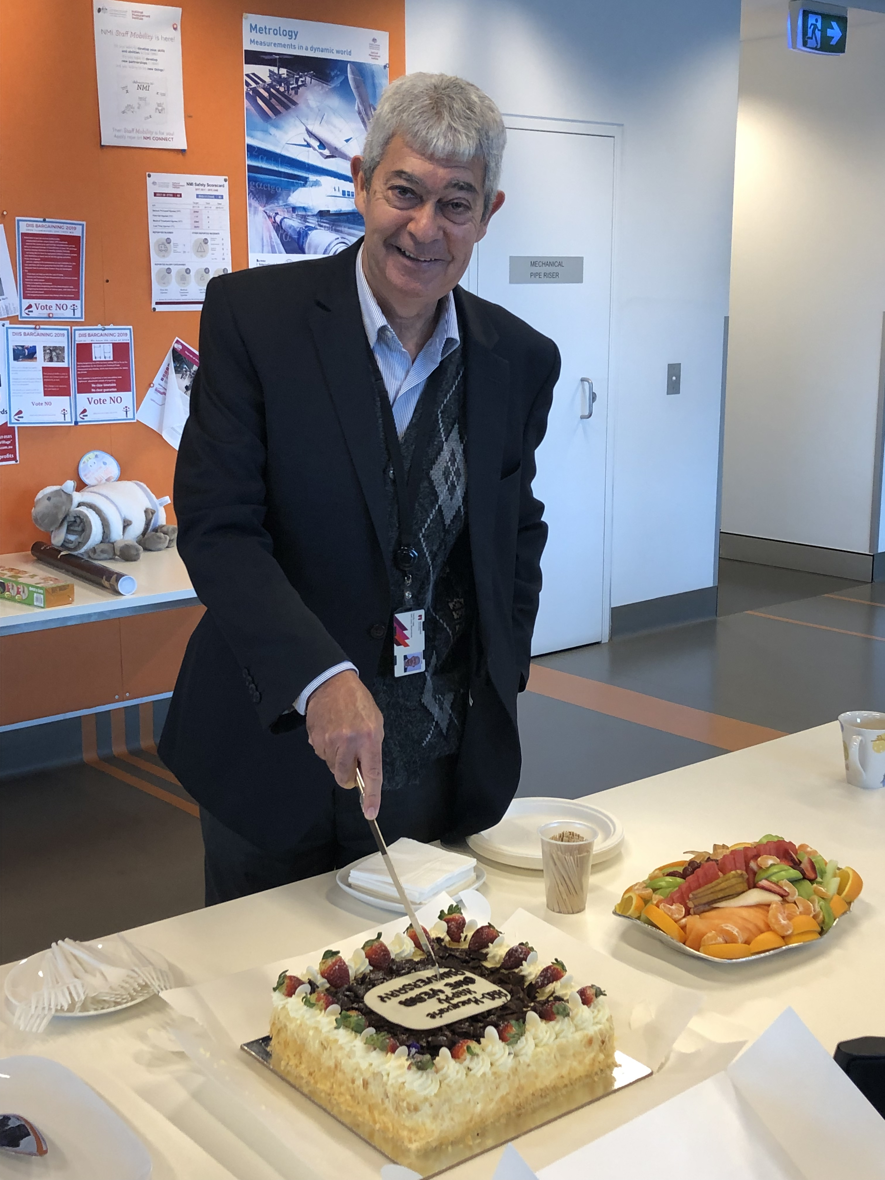 aao-mq-operations-manager-neville-legg-cut-the-cake